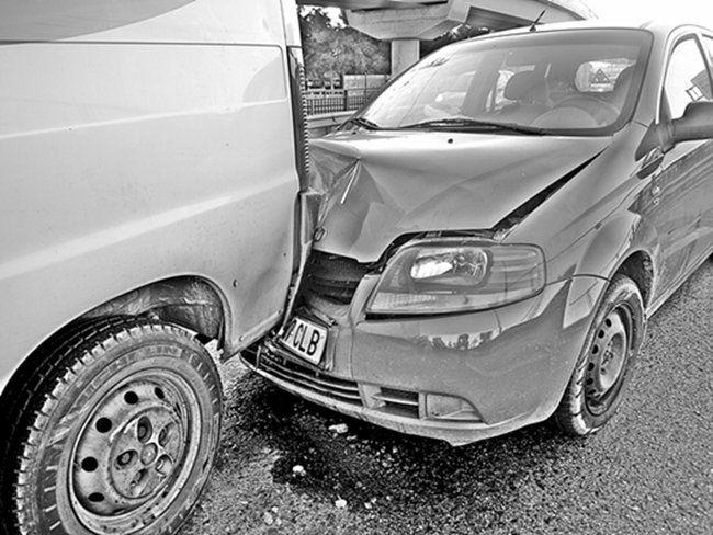 accidente de tránsito choque desde atras
